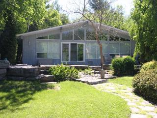 BlueBird cottage (#351), Sauble Beach