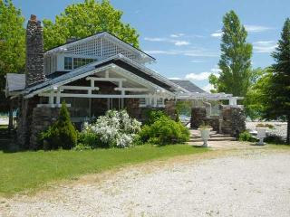 Owen Sound cottage (#332)