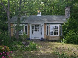 Turquoise cottage (#557)
