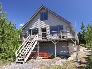 Waterfront Chalet cottage (#217), Tobermory