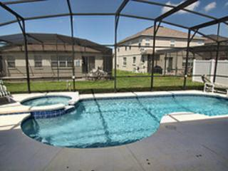 Screened Swimming Pool with Hot Tub!