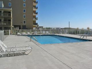 Gulf Village 213 ~Nice Relaxing Vacation Condo ~ Bender Vacation Rentals, Gulf Shores