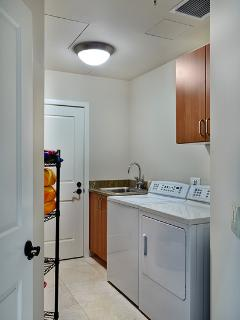 Blue Horizons K308 In-Villa Laundry Room with abundant supplies