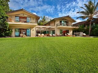 Wailea Sunset Estate - Stunning Oceanfront Playground and Grass Lawn Right At Your Doorstep