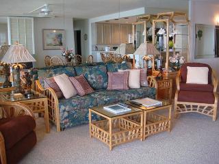 B204 Hololani Oceanfront Resort, Lahaina