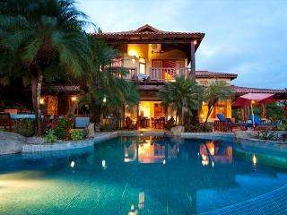 Beautiful 5 bedroom hillside estate with views, infinity pool, bbq. CLL, Tamarindo