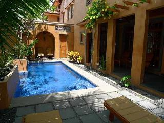 Luxurious 3BR vacation villa- near beach, Private pool, gas grill CV3