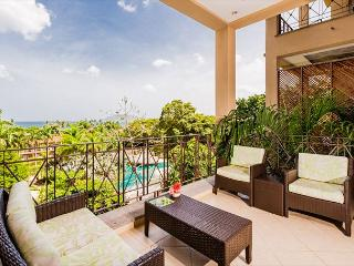 Lovely 2BR oceaview condo- near beach, TV, cable, WIFI, pool MAT405, Tamarindo