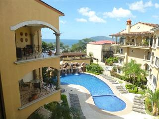 Beautiful penthouse condo- near beach, shared pool, partial ocean view, Tamarindo