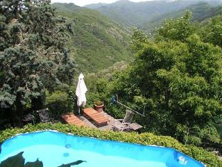 Charming Villa in Tuscany On the Edge of an Authentic Hill Town - Casa Coreglia, Coreglia Antelminelli