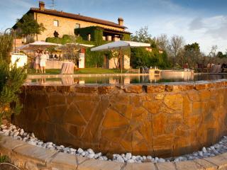 Luxury Chianti Villa Near a Small Town - Casa dei Frati