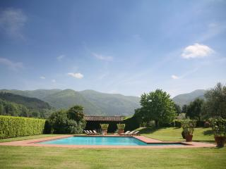 Large Villa Rental near Vorno, Lucca with Air Conditioning - Casa Samuele