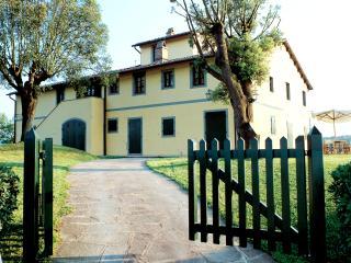 Tuscany Villa Accommodation - Fattoria Capponi - Versace, Montopoli in Val d'Arno