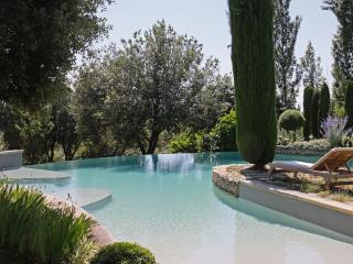 Luxury Provencal Villa with Infinity Pool and Spectacular Views - La Maison D'ete, Gordes