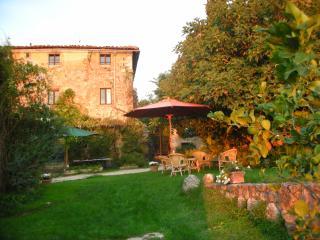 Farmhouse on Historic Estate in the Chianti - Monteriggioni - La Casa
