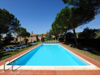 Farmhouse Rental on Tuscany-Umbria Border for Large Group - La Tenuta Colonica