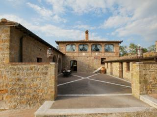 Villa in Southern Tuscany with Privacy and Views - Villa Altare, Pienza