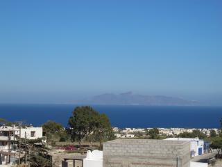 Bright and Open Villa in Greece with Stunning Views - Villa Camari with Studio, Kamari