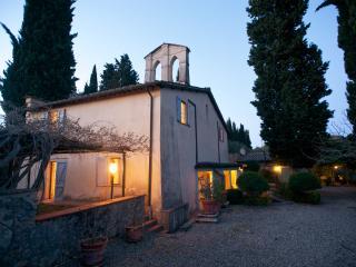 Tuscany Villa near Siena with Private Pool - Villa Del Cielo with Caminetto
