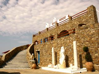 Luxury Villa on Mykonos Within Walking Distance of the Beach - Villa Delphinus, Ano Mera