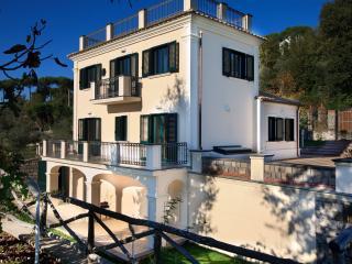 Villa Rental in Campania, Sant'Agata sui due Golfi - Villa I Limoni