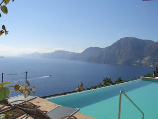 Beautiful Amalfi Coast Villa with Pool - Villa Il Pescatore