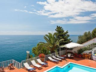 4 bedroom villa with pool and view on Amalfi Coast, Ravello