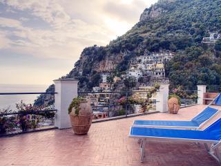 Amalfi Coast Apartment - Villa Piccola Begonia
