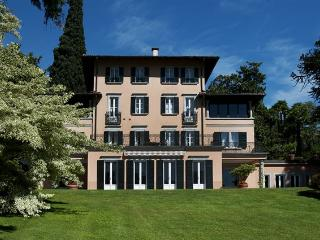 Luxury Villa on Lake Como with Tennis Court and Pool - Villa Rezzonico