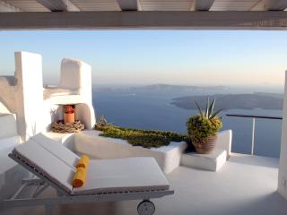 Santorini Villa Rental with Incredible Views - Villa Sky, Imerovigli