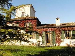 Lake Garda Villa Rental with Shared Pool near Peschiera del Garda - Villa Vellutto