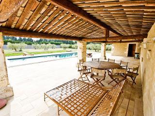 Villa for Family or Friends near Avignon with Heated Pool - Villa Veronique