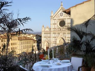 Rent Apartment Florence - Piazza Santa Croce - Canova