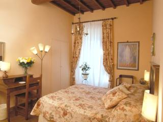 Elegant Accommodation Florence - Piazza Santa Croce - Alberti