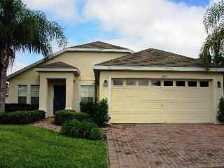 Prestigious 4BR connected TO ALL Orlando attractions - NHD1332, Davenport