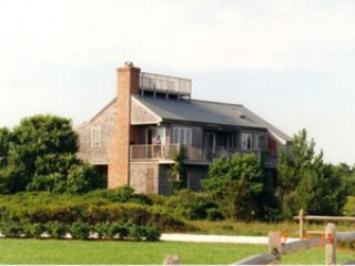 Picturesque House in Nantucket (3560)