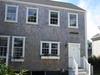 Ideal House with 2 Bedroom & 3 Bathroom in Nantucket (8606)