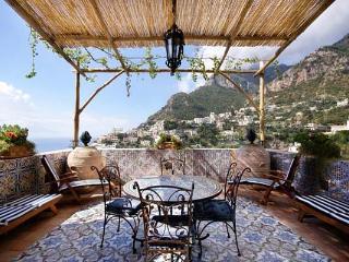 Appartamento di lusso completamente ristrutturato e restaurato a Positano superiore. YPI CER, Costa de Amalfi