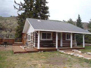 Beautiful 2 BR Cabin on the River at Three Rivers Resort in Almont (#6)