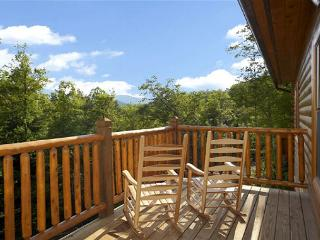 5 Bedroom Gatlinbug Cabin with Home Theater Room - 9 Foot Theater Screen, Gatlinburg