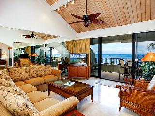 Unit 21 Ocean Front Prime Luxury 2 Bedroom Condo, Lahaina