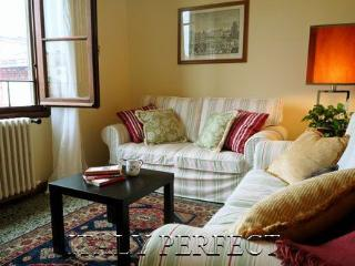 Perfect Apartment for 2 Couples or Families-Authentic Florence Area-Vespucci