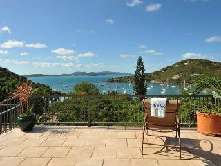 Villa Adagio: Pool! Hot tub! Sunset Views!, St. John