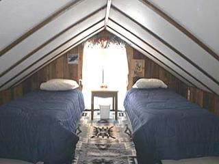 Loft Bedroom The kids will love this room with 2 twin beds