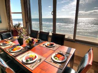 Oceanfront unit with 8br/5.5ba, rooftop decks, private spa, A/C Equipped, Oceanside