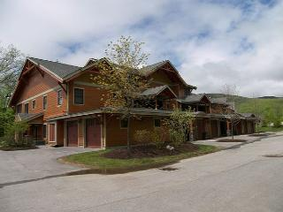 P002C- Managed by Loon Reservation Service - NH Meals & Rooms Lic# 056365