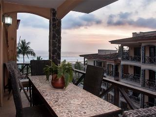 Bahia Encantada 4I 4th Floor Beach View, Jaco