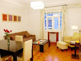A2 - Luxury 1 Bedroom - 1.5 Bath English Cable TV