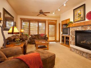 Aspen Lodge living room - 4105