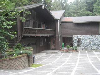 Private, Serene & Spacious but in town with Decks, Hot Tub, Firepit & Beach